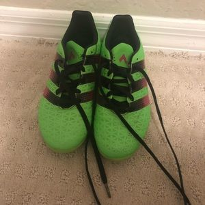 Shoes - Women's adidas cleat